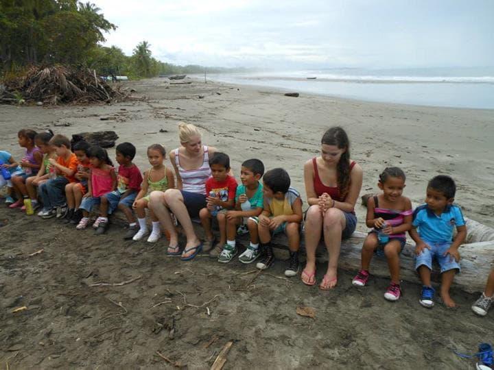 freiwilligenarbeit in costa rica Irene und Sophie