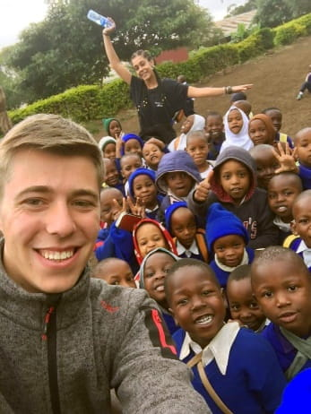 erfahrungsbericht freiwilligenarbeit tansania roman